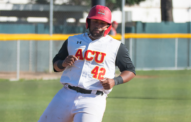 Kai Davis was 2-3 with a homer and four RBI on Friday (Photo by Keith Moody)