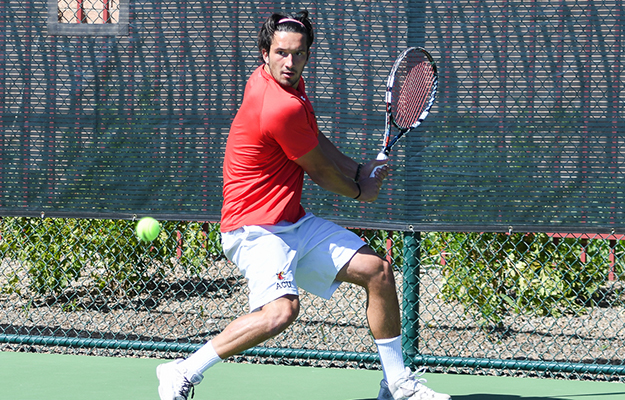 Alberto Lapiedra earned wins on both number one courts (Photo by Keith Moody)