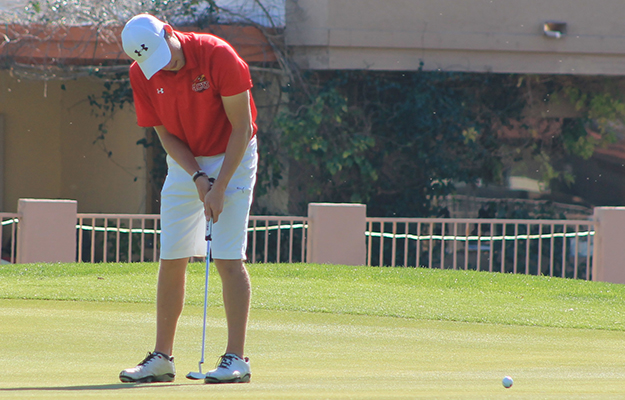 Chris Senna rolling up a birdie on Tuesday.