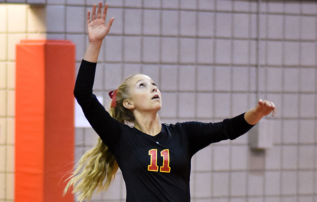 Delaney Harris produced 46 digs and 2 service aces on Saturday (Photo- Keith Moody)